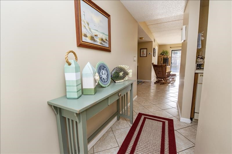 Welcome to the Beach!  Entry Way