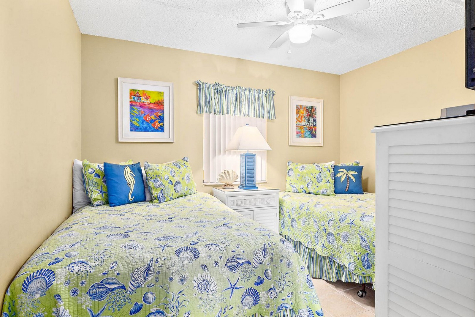 Guest Bedroom--Tropical Twins!