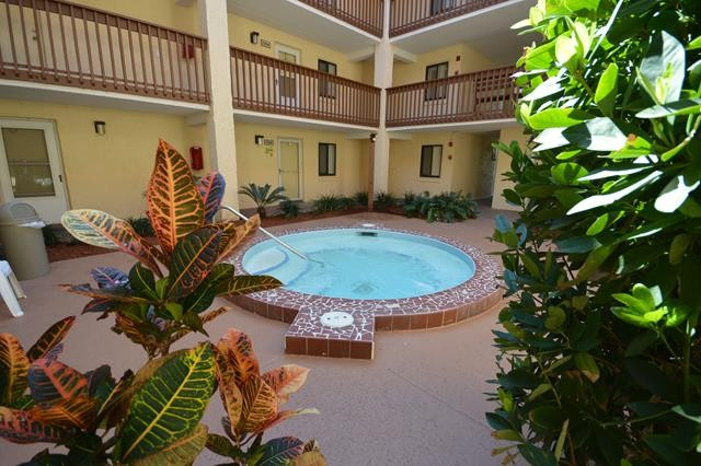 Jacuzzi in Building 7